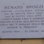 """Renato-Brozzi-lapide vicino all'antico caffè,""""da Pepo"""""""