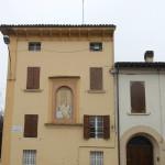 Maestà,Madonna con Bambino-su abitazione-Montechiarugolo