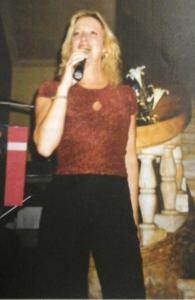 enza-kucic-cantante