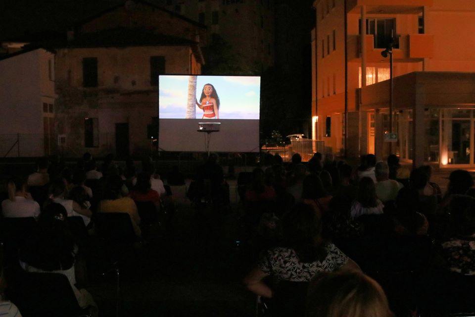 Agosto a Monticelli Terme cinema all'aperto 2020