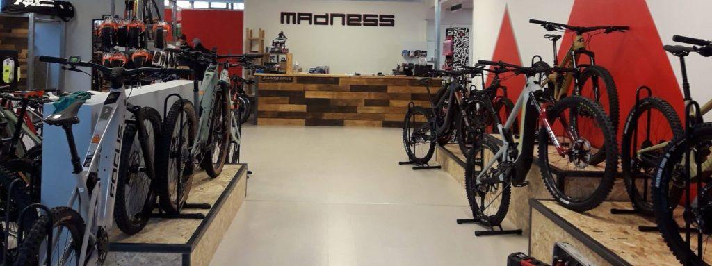 Emanuele Valentini Madness Bike Shop loc. Barcaccia via F.lli Cervi,65/a